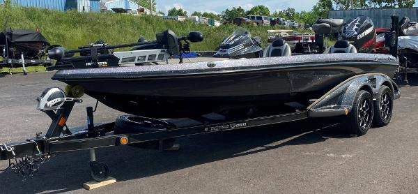 2014 Ranger Boats boat for sale, model of the boat is Z520C & Image # 1 of 21