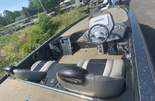 2014 Ranger Boats boat for sale, model of the boat is Z520C & Image # 7 of 21