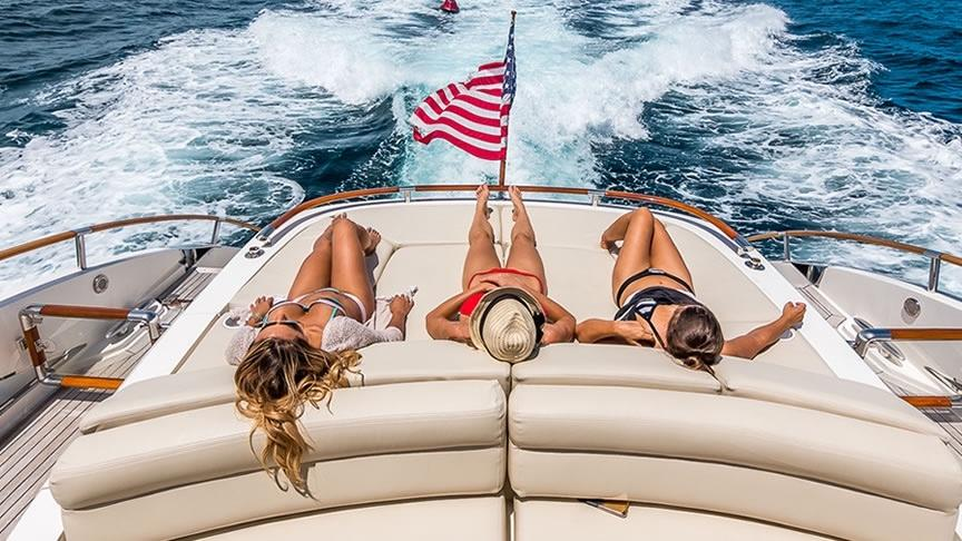 Picture Of:  75' Lazzara Yachts LSX 75 2007Yacht For Sale | 4 of 59