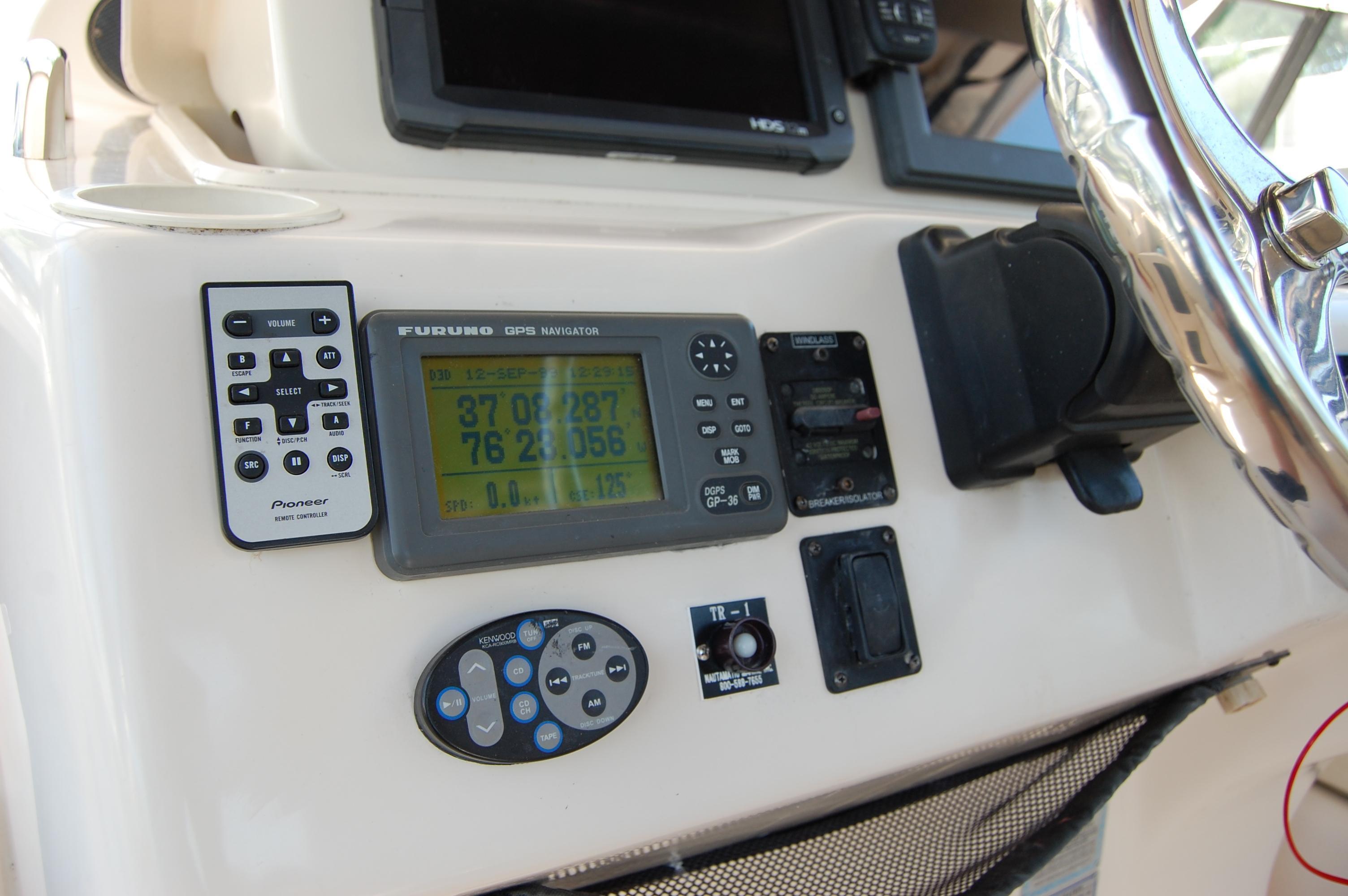 2002 Grady White 330 Express, stereo remote, Furuno DGPS, Windlass control, Tilt steering