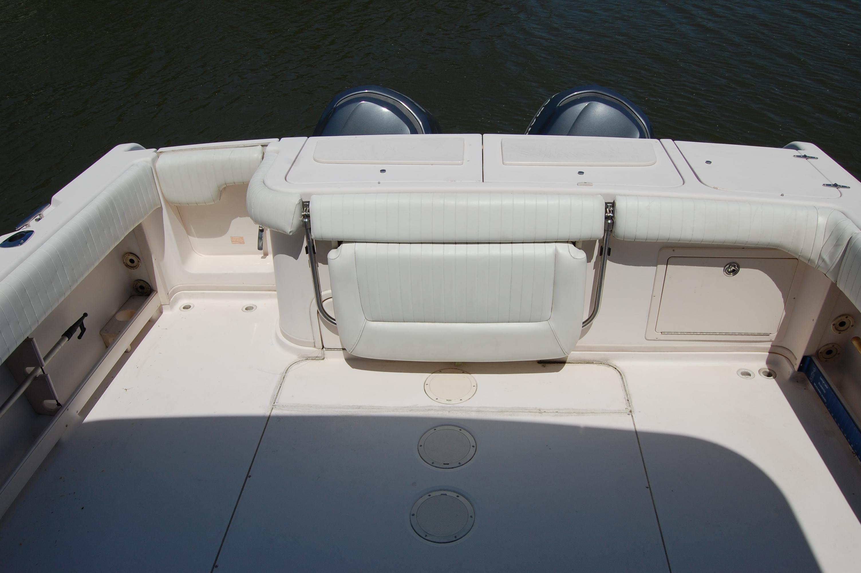 2002 Grady White 330 Express, very nice cockpit upholstery
