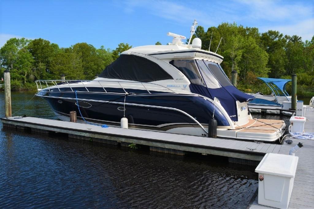 Formula 45 Yacht - Port VIew