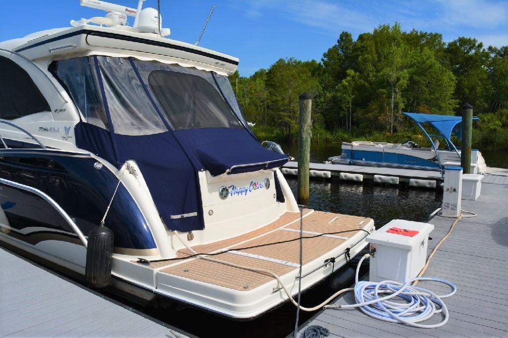 Formula 45 Yacht - Port Stern