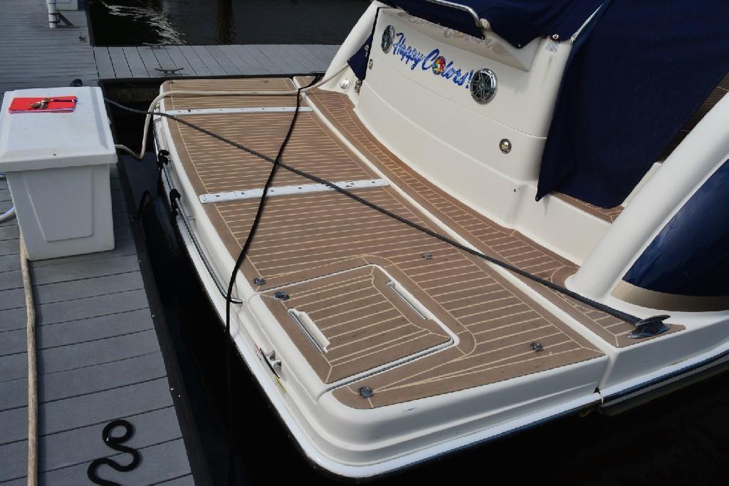 Formula 45 Yacht - Hydraulic Platform