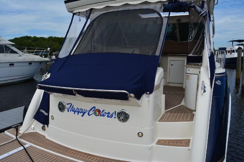 Formula 45 Yacht - Stern View