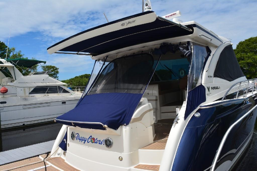 Formula 45 Yacht - Retractable Shade