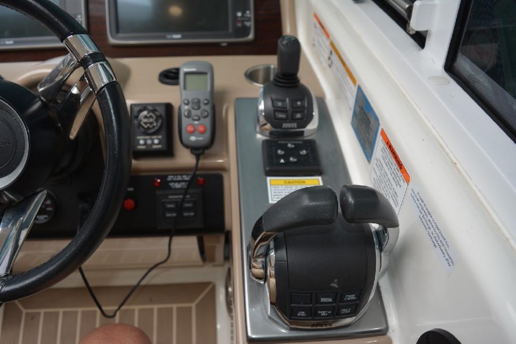 Formula 45 Yacht - IPS Controls and Joystick