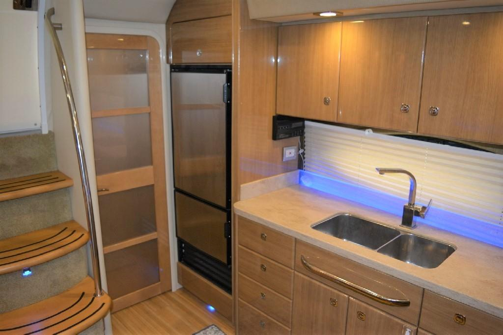 Formula 45 Yacht - TO Mid Cabin