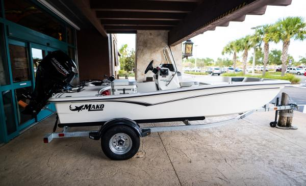 2022 Mako boat for sale, model of the boat is Pro Skiff 15 CC & Image # 6 of 23