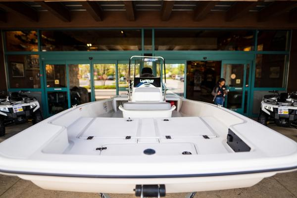2022 Mako boat for sale, model of the boat is Pro Skiff 15 CC & Image # 4 of 23