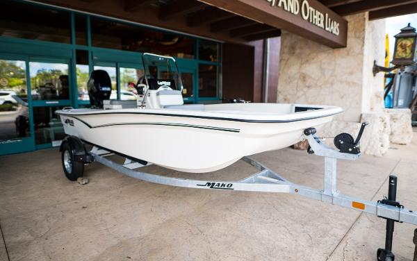 2022 Mako boat for sale, model of the boat is Pro Skiff 15 CC & Image # 5 of 23