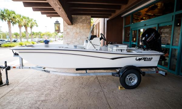 2022 Mako boat for sale, model of the boat is Pro Skiff 15 CC & Image # 1 of 23