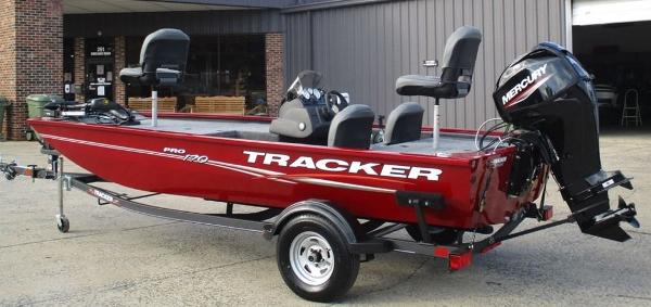 2021 Tracker Boats boat for sale, model of the boat is Pro 170 & Image # 1 of 7