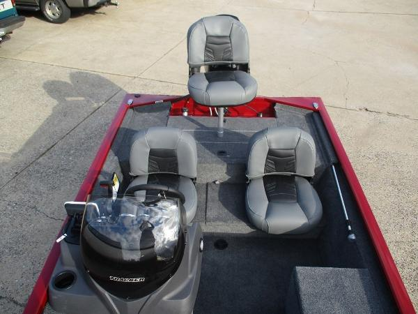 2021 Tracker Boats boat for sale, model of the boat is Pro 170 & Image # 4 of 7