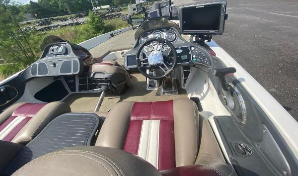 2009 Ranger Boats boat for sale, model of the boat is Z520C & Image # 9 of 16
