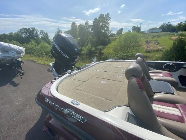2009 Ranger Boats boat for sale, model of the boat is Z520C & Image # 12 of 16