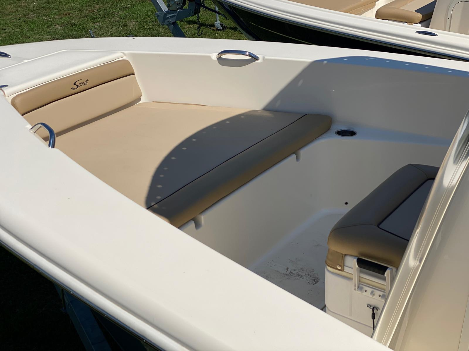 2019 Scout boat for sale, model of the boat is 195 Sportfish & Image # 5 of 10