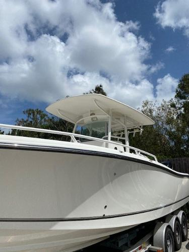 2018 Mako boat for sale, model of the boat is 284 CC & Image # 2 of 16