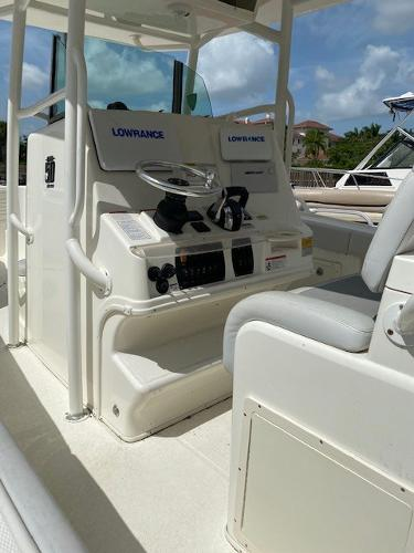 2018 Mako boat for sale, model of the boat is 284 CC & Image # 3 of 16