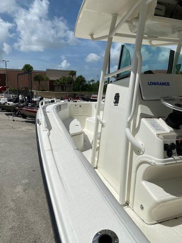 2018 Mako boat for sale, model of the boat is 284 CC & Image # 5 of 16