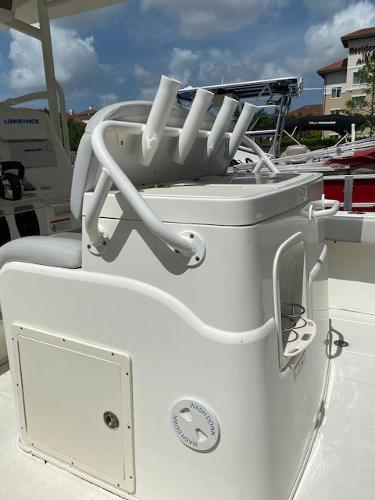 2018 Mako boat for sale, model of the boat is 284 CC & Image # 7 of 16