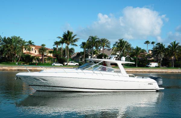 2010 Intrepid 430 Sport Yacht