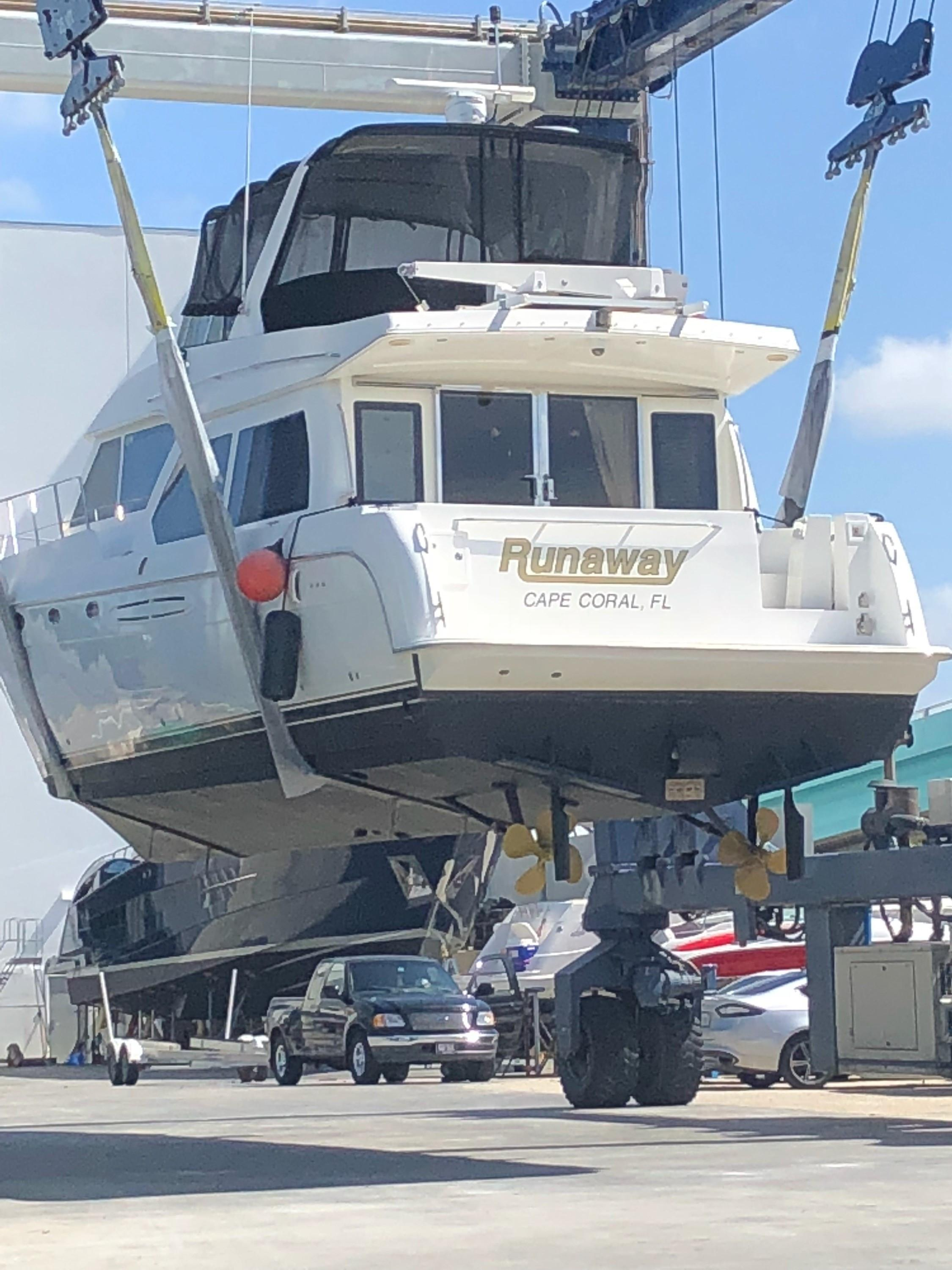 Picture Of:  54' Navigator 5400 2007Yacht For Sale   3 of 64