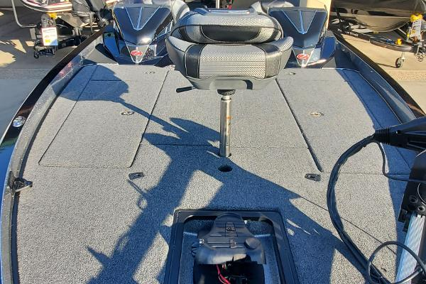 2021 Ranger Boats boat for sale, model of the boat is Z521L & Image # 2 of 75