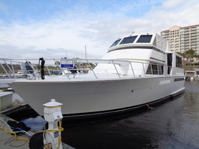 Viking 54 Motor Yacht - Bow To Port