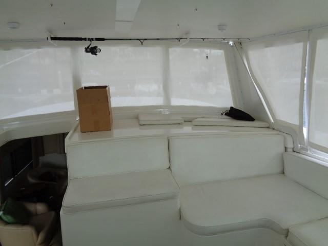 Viking 54 Motor Yacht - Helm Seating