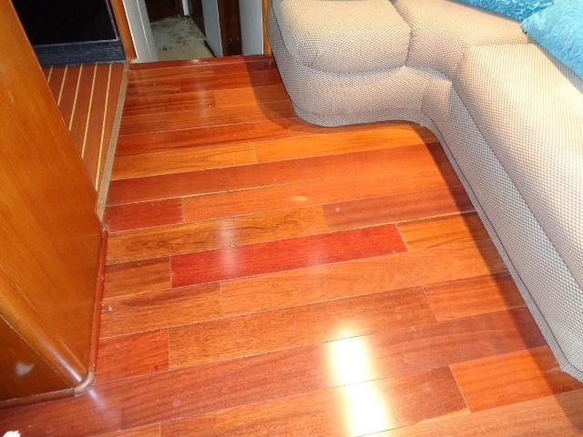 Viking 54 Motor Yacht - Salon Flooring