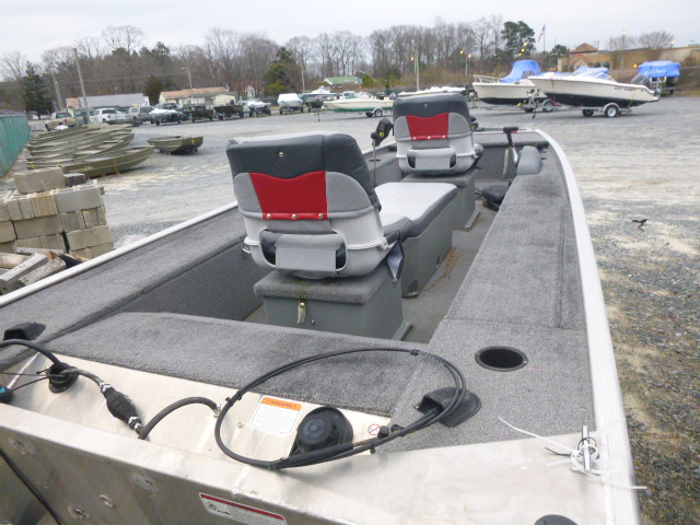 2015 Tracker Boats boat for sale, model of the boat is Panfish 16 & Image # 4 of 7