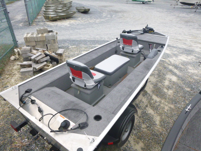 2015 Tracker Boats boat for sale, model of the boat is Panfish 16 & Image # 7 of 7