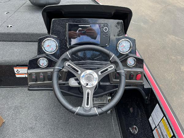 2021 Nitro boat for sale, model of the boat is Z18 Pro & Image # 6 of 11