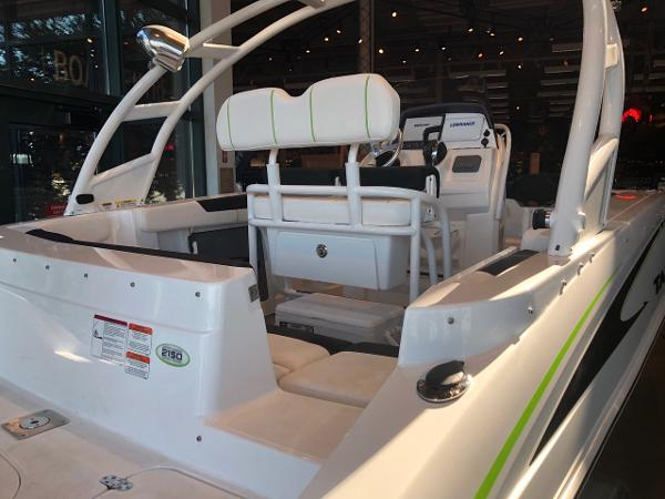 2020 Tahoe boat for sale, model of the boat is 2150 CC & Image # 3 of 95