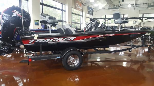 2018 Tracker Boats boat for sale, model of the boat is Pro Team 190 TX & Image # 1 of 34