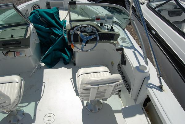 2008 Triumph boat for sale, model of the boat is 191 FS/LE & Image # 7 of 10