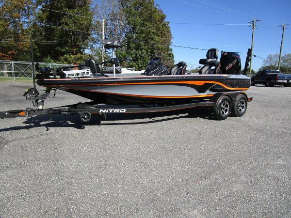 2021 Nitro boat for sale, model of the boat is Z20 Pro & Image # 2 of 54