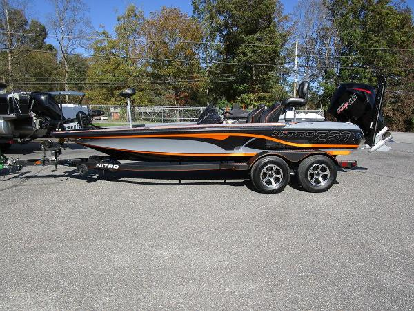 2021 Nitro boat for sale, model of the boat is Z20 Pro & Image # 1 of 54