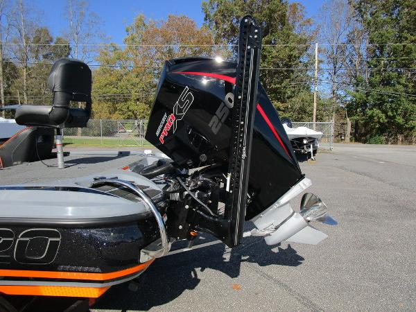 2021 Nitro boat for sale, model of the boat is Z20 Pro & Image # 7 of 54