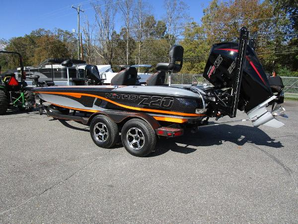 2021 Nitro boat for sale, model of the boat is Z20 Pro & Image # 9 of 54