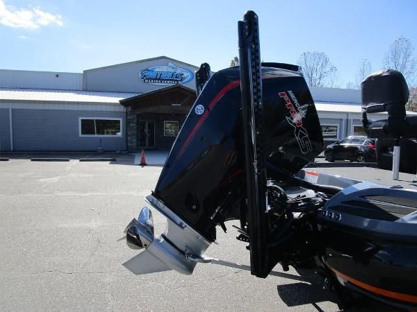 2021 Nitro boat for sale, model of the boat is Z20 Pro & Image # 14 of 54