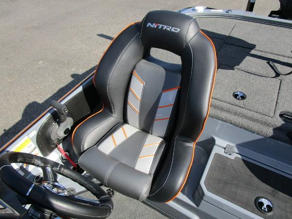 2021 Nitro boat for sale, model of the boat is Z20 Pro & Image # 15 of 54