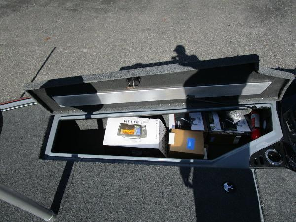 2021 Nitro boat for sale, model of the boat is Z20 Pro & Image # 19 of 54