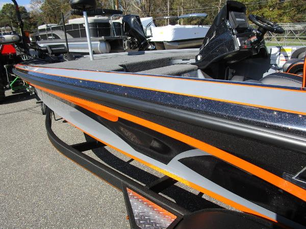 2021 Nitro boat for sale, model of the boat is Z20 Pro & Image # 30 of 54