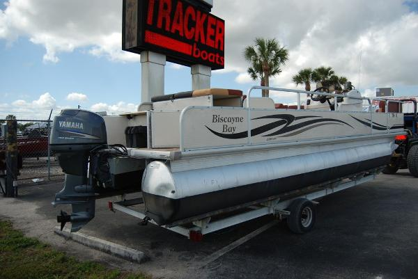 2010 Misty Harbor boat for sale, model of the boat is Biscayne Bay & Image # 3 of 11