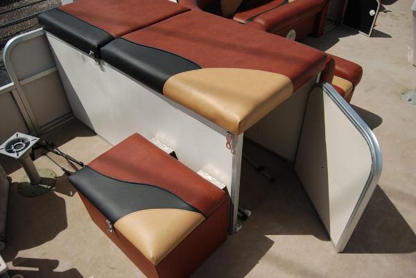 2010 Misty Harbor boat for sale, model of the boat is Biscayne Bay & Image # 6 of 11