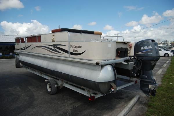 2010 Misty Harbor boat for sale, model of the boat is Biscayne Bay & Image # 7 of 11