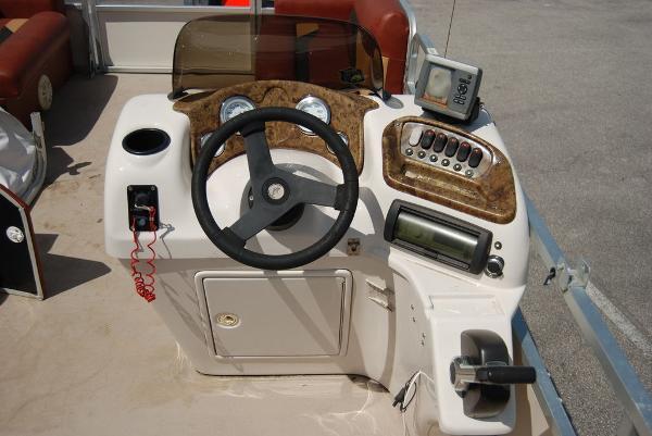 2010 Misty Harbor boat for sale, model of the boat is Biscayne Bay & Image # 9 of 11