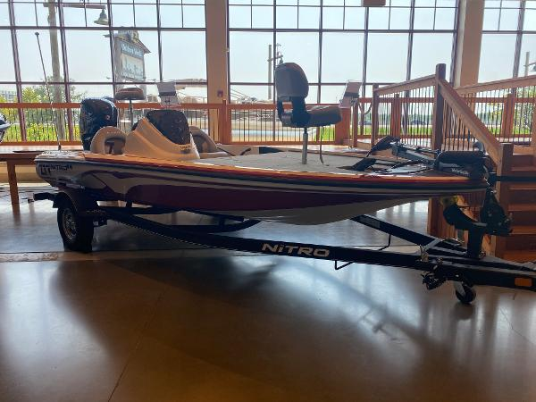 2020 Nitro boat for sale, model of the boat is Z17 & Image # 1 of 40